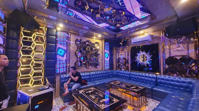 Phòng vip 10 karaoke Họa Mi