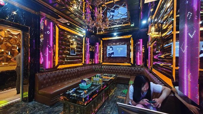 Phòng vip 01 karaoke Họa Mi