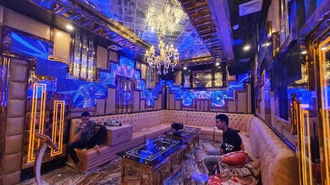 Phòng vip 03 karaoke Họa Mi