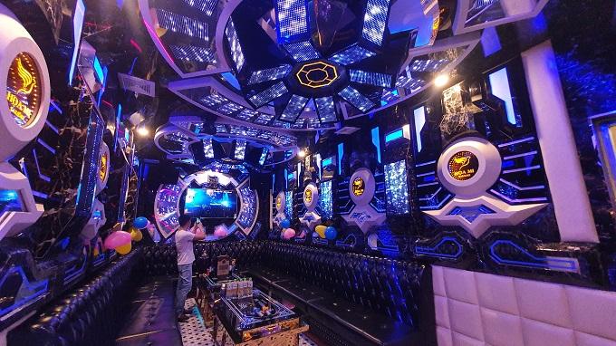 Phòng vip 06 karaoke Họa Mi