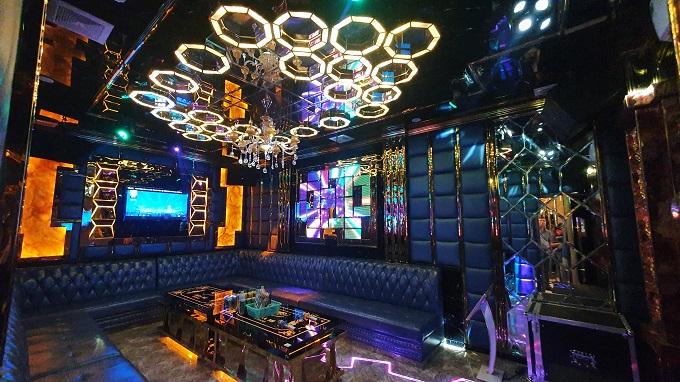 Phòng vip 09 karaoke Họa Mi