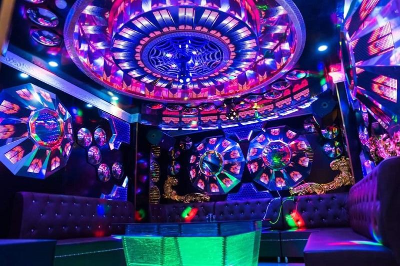 Phòng vip 10 tại karaoke paris by night